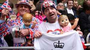 News video: How People Celebrated Royal Baby's Arrival With Beers and Cheers