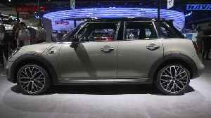 News video: MINI 5 Door at the Auto China Beijing 2018