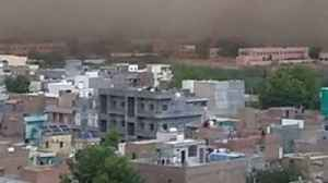News video: Wall of Dust Sweeps Over North Indian City