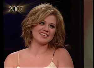 News video: Kelly Clarkson and Reba McEntire on Their Intergenerational Friendship