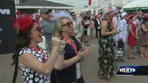 Fun in the infield on Oaks day [Video]