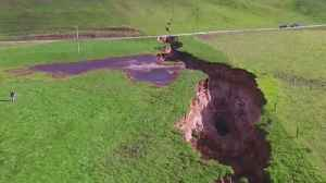 News video: Farmworker stumbles upon massive sinkhole in New Zealand