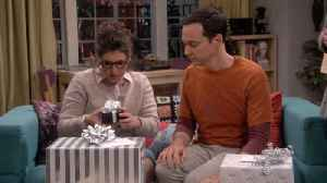 News video: The Big Bang Theory - Amy And Sheldon Open A Very Special Wedding Gift From Stephen Hawking