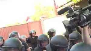 News video: Nationalists Storm Home of Ukrainian Opposition Politician and TV Station Co-Owner Serhiy Lyovochkin