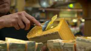 News video: Cheese shops, to day spas - a look at Markle's favorite Toronto destinations