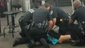 News video: Police Restrain and Arrest Man After Disturbance in Security Line at New Orleans Airport