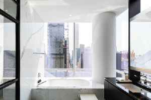News video: $85 Million Manhattan Penthouse Comes With Trip to Space