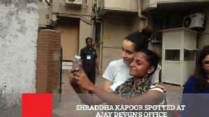 News video: Shraddha Kapoor Spotted At Ajay Devgn's Office