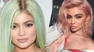 News video: Kylie Jenner And The Secret Behind Her Wigs REVEALED!