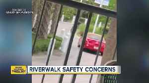 News video: Video shows car driving on Tampa's Riverwalk