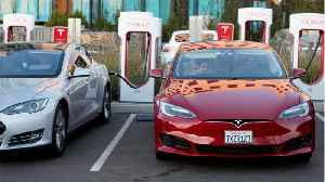 News video: ISS Sides Against Two Tesla Directors, Backs Split of Musk's Roles
