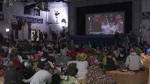 News video: Royal Wedding Viewing Party Held at Meghan Markle`s School in L.A.