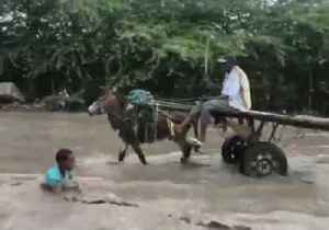 News video: Mogadishu Streets Under Water After Severe Flooding