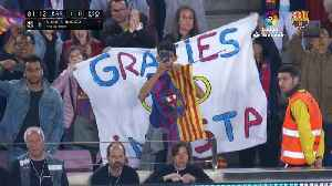 News video: Andrés Iniesta substituted for the final time in an FC Barcelona shirt