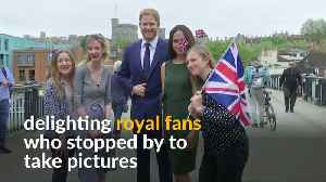 News video: Windsor visitors snag selfies with Harry and Meghan waxworks