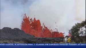 News video: Lava From Hawaii Volcano Oozes Into Ocean, Creating New Toxic Hazard