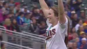 News video: WATCH: Team USA goalie Maddie Rooney throws out first pitch at Twins game