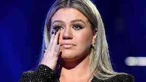 News video: Kelly Clarkson refused to hold a