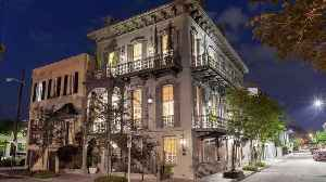 News video: Stop What You're Doing and Take a Peek Inside One of Savannah's Most Iconic Homes