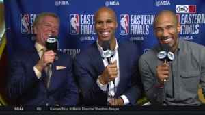 News video: Richard Jefferson, Dahntay Jones discuss academics, fashion faux pas