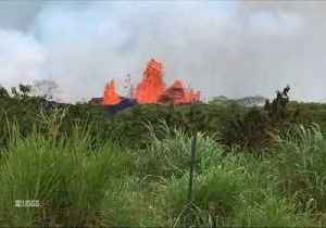 News video: Lava Splatters From Fissure 22 in Kilauea Volcano's Lower East Rift Zone