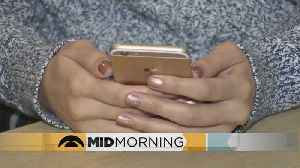 News video: Many Don't Unplug From Smartphones During Vacation
