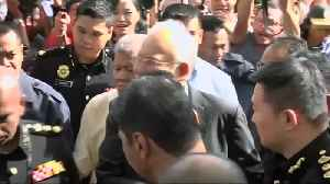 News video: Malaysia's ex-PM gives more answers to anti-graft agents
