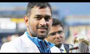 MS Dhoni As India Captain - Should He Stay Or Should He Go? Sunil Gavaskar's View... [Video]