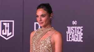 News video: Gal Gadot to produce and possibly star in Fidel Castro movie