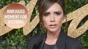 News video: Awkward: Victoria Beckham mixed up these two celebs