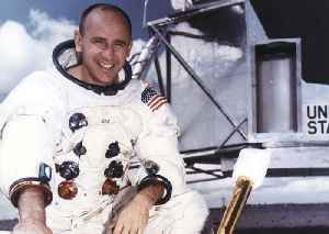 News video: Astronaut Alan Bean, member of Apollo 12 moon mission, dead at 86