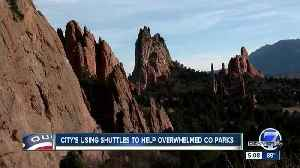 Cities using free shuttles to help overwhelmed Colorado parks [Video]