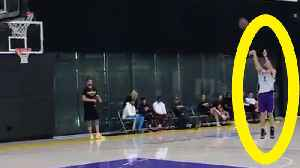 News video: LiAngelo Ball SHOWS OFF Skills After Lonzo Scores Him An EARLY WORKOUT with The Lakers!