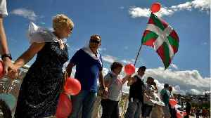 125-Mile Human Chain Calls For Right To Independence
