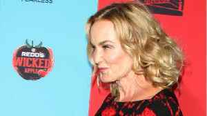 News video: Is Jessica Lange Returning To 'American Horror Story' For Season 8?