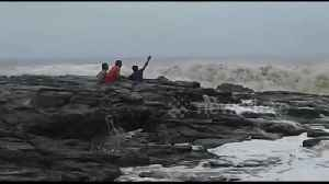 News video: Strong waves nearly sweeps monsoon tourists out to sea in India