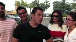 News video: Race 3 Team With There Iconic Dialogue - Salman, Jacqueline, Bobby And Team.
