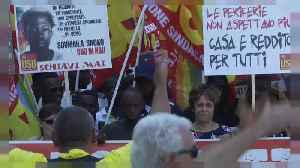 News video: Italians march in solidarity with migrant workers