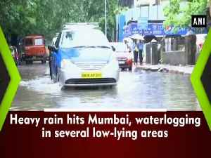 News video: Heavy rain hits Mumbai, waterlogging in several low-lying areas