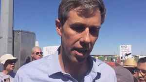 Rep. Beto O'Rourke rallies outside immigrant facility [Video]