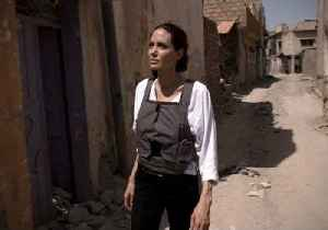 News video: 'The Worst Devastation I Have Seen' - Angelina Jolie Visits Mosul
