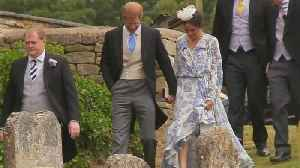 News video: Meghan Markle Sparks Pregnancy Rumors in Loose-Fitting Dress