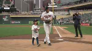 News video: 8-Year-Old Girl With 3D Printed Hand Throws 1st Pitch At Twins Game
