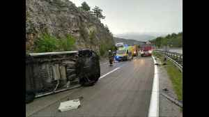 Minibus carrying migrants crashes in west Croatia, injuring 12