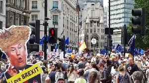 Thousands join anti-Brexit march in London
