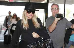 Khloe Kardashian doesn't know how to dress after giving birth [Video]