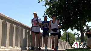 KC mother celebrates 40th birthday running 40 miles to support Mothers in Charge [Video]
