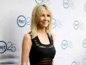 Heather Locklear to enter long-term treatment facility after arrest and possible overdose [Video]