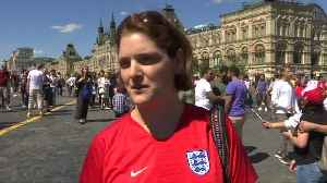 England fans arrive in Moscow, despite travel advice, for showdown with Colombia [Video]