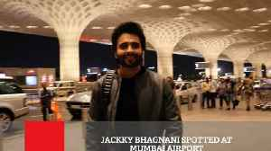 News video: Jackky Bhagnani Spotted At Mumbai Airport